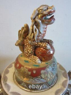 Fantastic Antique Japanese 25 Satsuma pottery vase with Foo Dog on Stand SIGNED